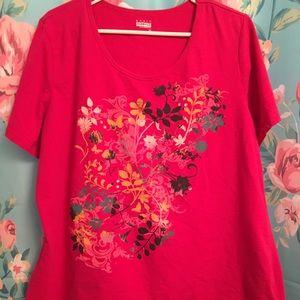 V-neck short sleeved T-shirt